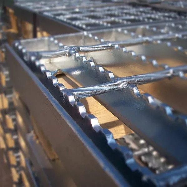 Решетки serrated
